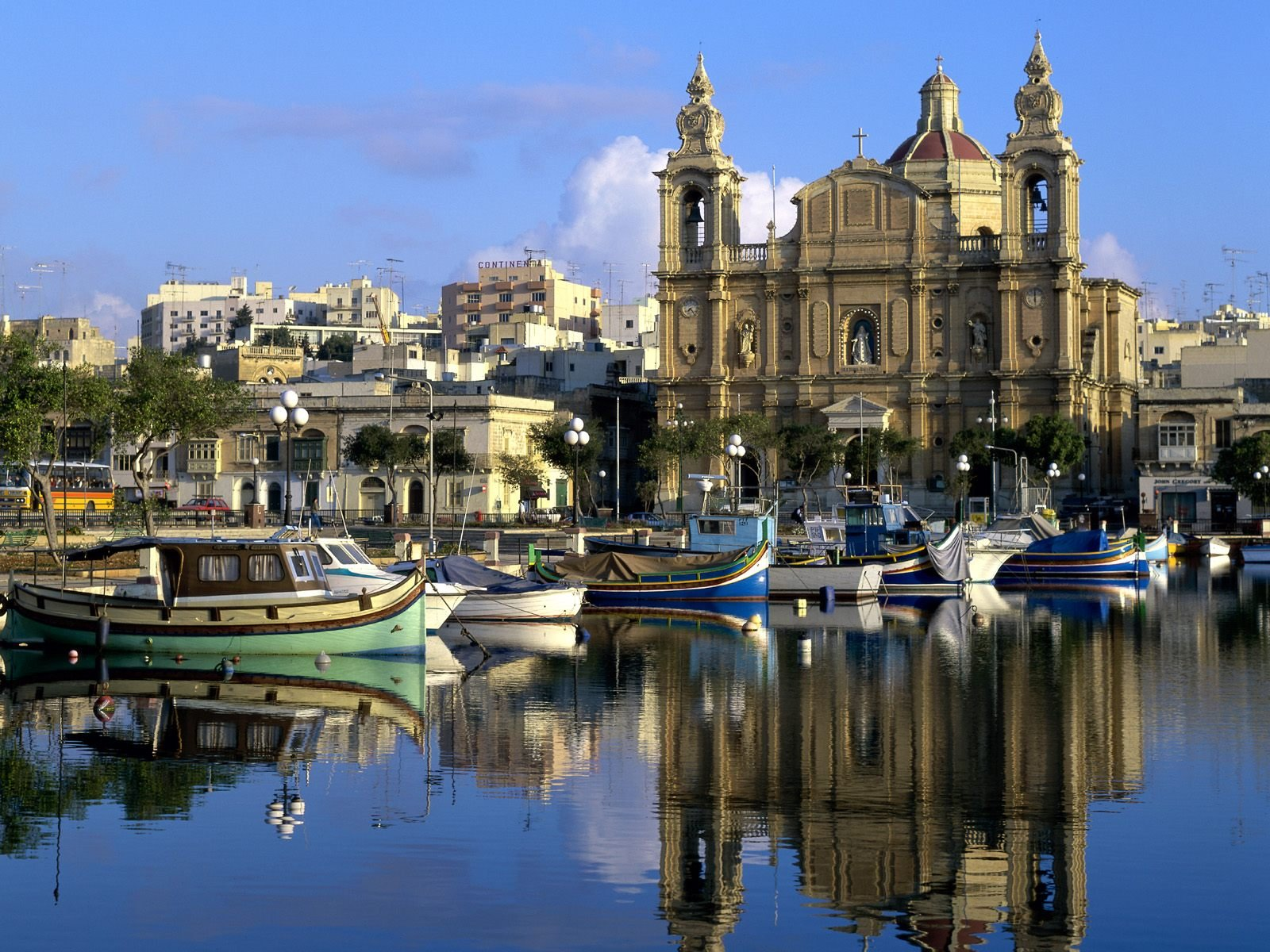 Obtain residence permit in sunny Malta