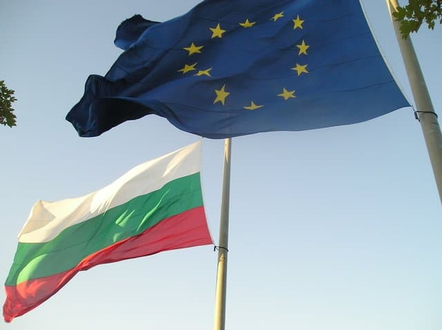 Bulgaria eases restrictions on offshore ownership